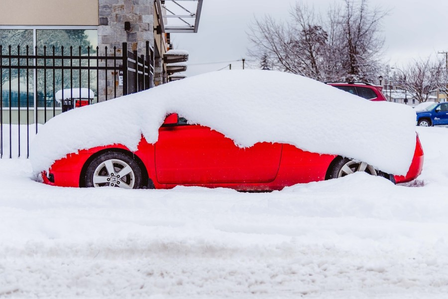 During winter, cars tend to accumulate snow or ice, which can delay your departure if you are not prepared.